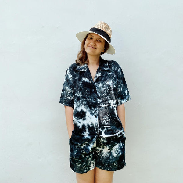 TIE DYE BLACK ABSTRAK SHORT PANTS