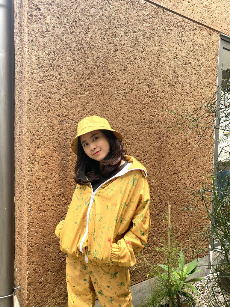 SKY DOTS MUSTARD NYLON LONG JACKET