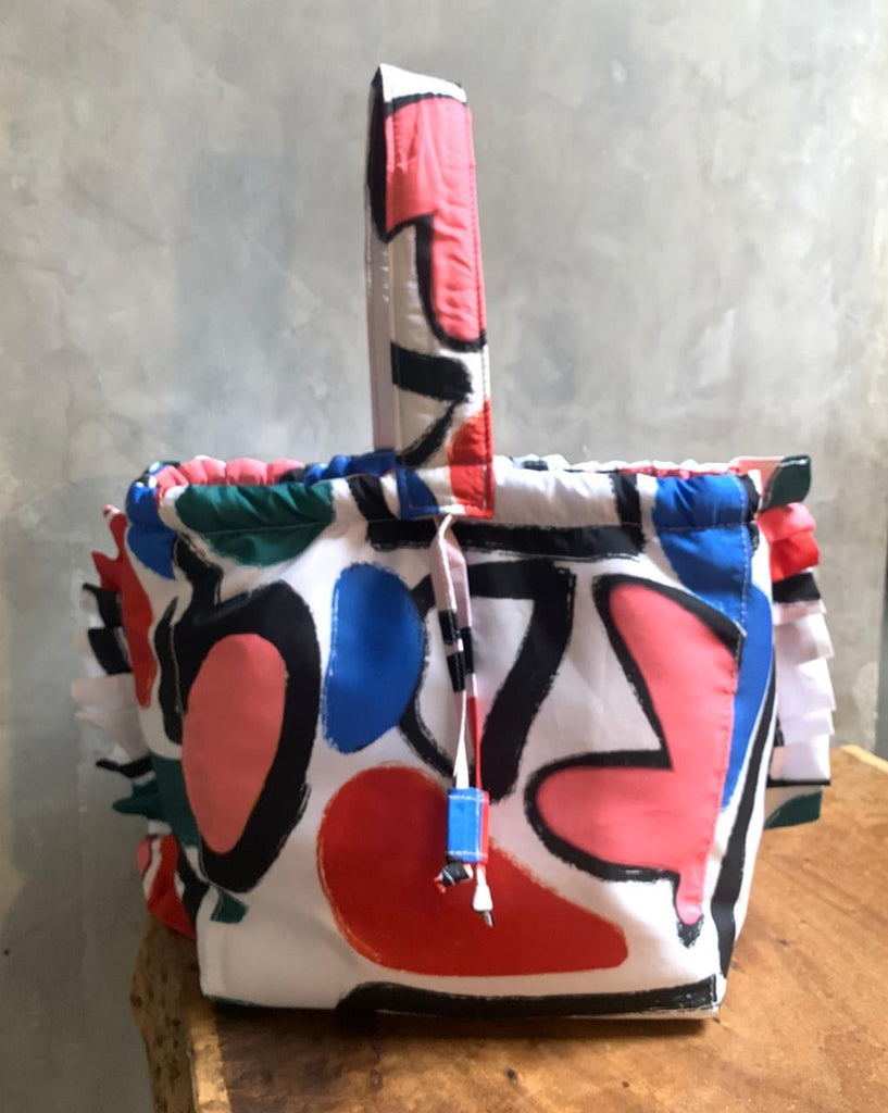 ABSTRACT RUFFLE BUCKET BAG