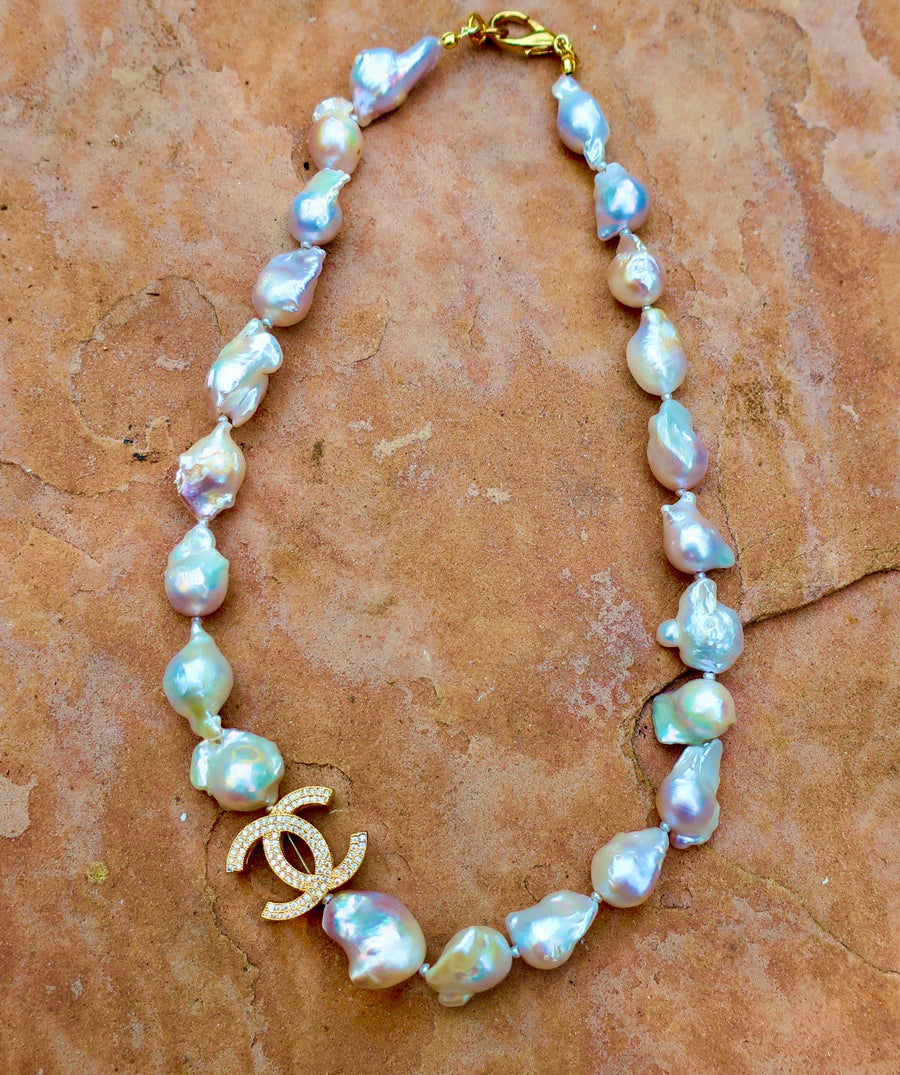 Iridescent Baroque Pearls Necklaces