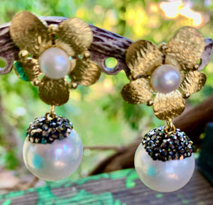Drop Pearl with Hematite Crystals Earrings