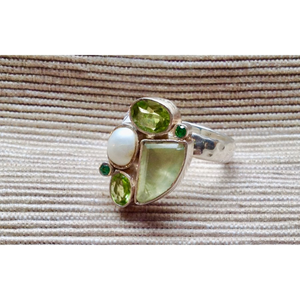 Pearl with Green Fluorite Ring