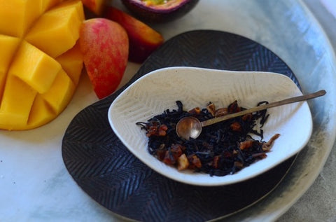 The Tea Nomad's Sydney tea: a fruity loose leaf black tea with passionfruit, dried mango and peach pieces. Ideal for iced tea.