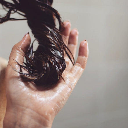 KNOW THE BENEFITS OF USING NATURAL OILS ON YOUR HAIR AND DISCOVER THE POWER OF PRE-POO