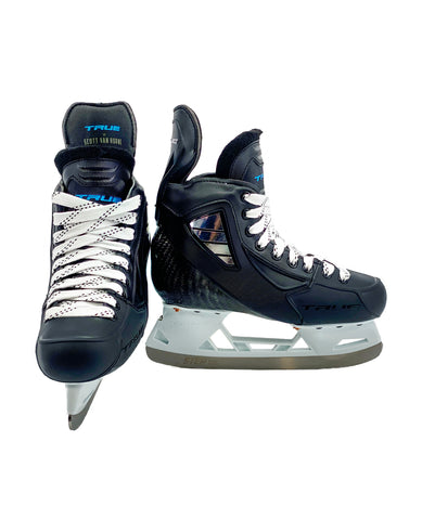 TRUE JUNIOR STOCK ICE HOCKEY PLAYER SKATES