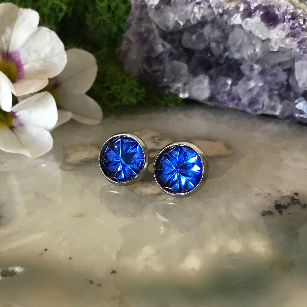 Fiver Friday Earring | 10mm Cobalt Blue Prism