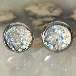 Fiver Friday Earring | 8mm Iridescent Druzy