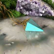 Turquoise Howlite Necklace | Gold Pendulum