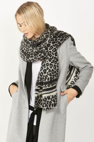 Soft Leopard Lines Scarf