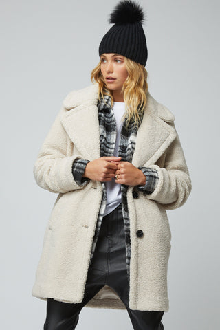Nola Teddy Coat
