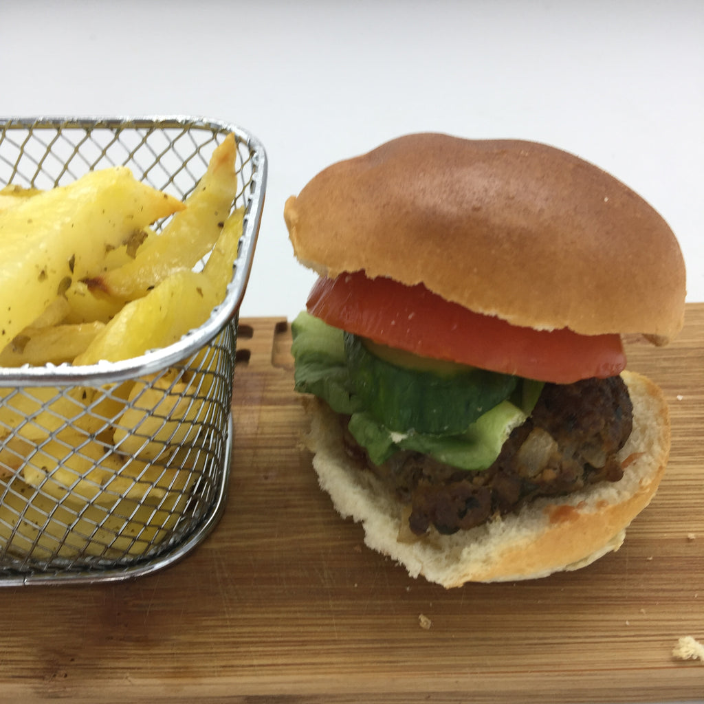 Familychef Kids beef burger with potatoes