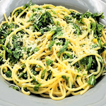 Familychef 15΄ Pasta With Pine Nuts & Arugula plate