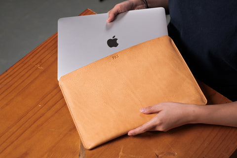 "6 COLORS - Natural Minerva Box Leather Macbook Pro Sleeve 13"" & 15"" - Eternal Leather Goods"