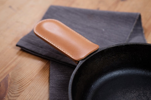 13 COLORS - Vegetable-tanned Leather Cast Iron Handle Cover - Eternal Leather Goods