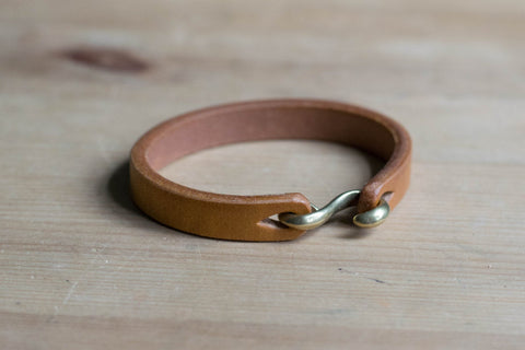 Brown Vegetable-tanned Leather S Hook Bracelet