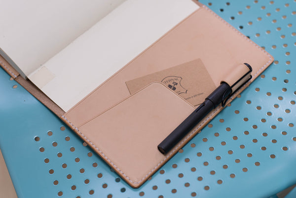 A5/Hobonichi Cousin/Seven Seas Elastic Closure Leather Notebook Cover with Card pockets