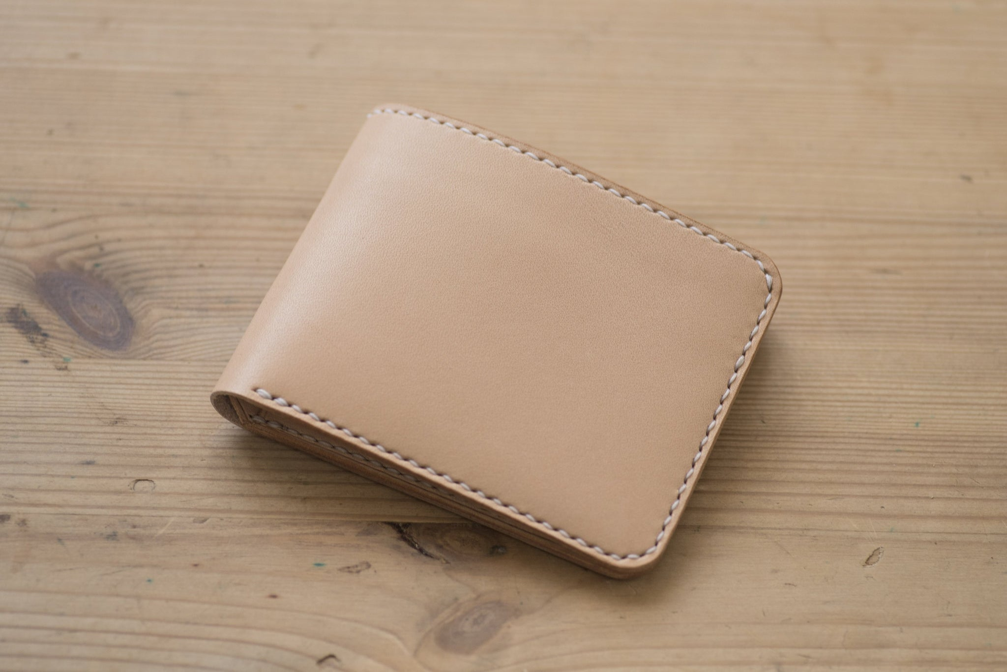 4-Slot Natural Leather Billfold Wallet