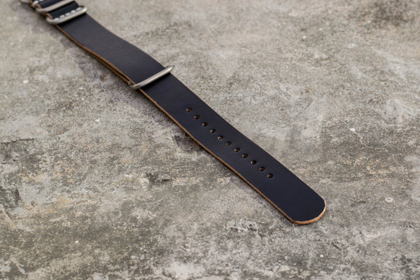 Black Hermann Oak Leather Zulu Strap (18, 20, 22 & 24mm Wide)