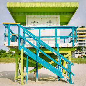 1st Street Miami Lifeguard Stand - Front View