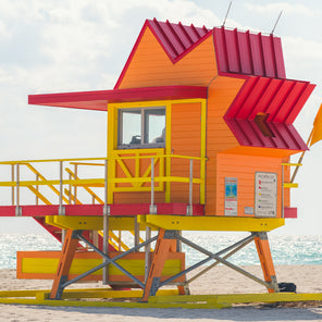 8th St. Miami Lifeguard Stand- Side View