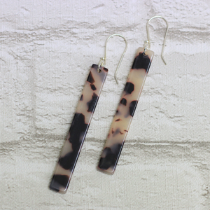 Rod Tortoiseshell Earrings Light