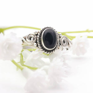 Black Onyx Silver Ring, Dainty Gemstone Ring, Gothic Ring, Vintage Ring, Simple Ring, Promise Ring, Crystal Ring, Sterling Silver Ring, 8 Q