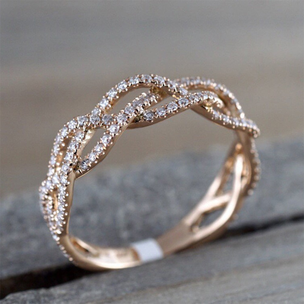 IPARAM New Rose Gold Zircon Twist Geometric Ring Fashion Lady Luxury Cutout Design Wedding Party Ring Gift