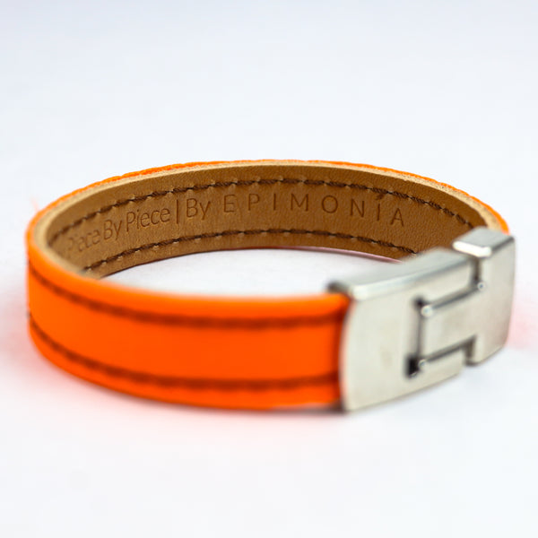 orange embracelet side angle epimonia