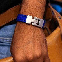 Load image into Gallery viewer, blue dream bracelet on model