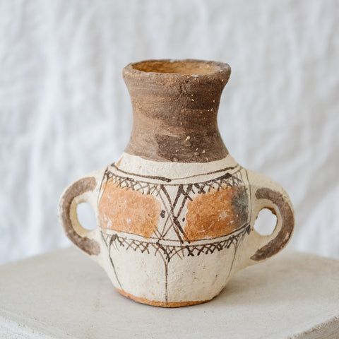 Khabia triangles vase