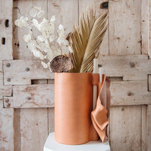 Anush leather vase- Camel