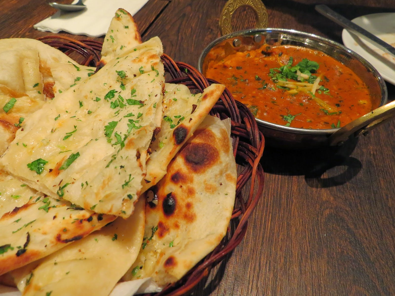 Cheese Naan With Gravy
