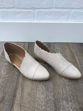 Beige Scalloped Open Shank Ballerina