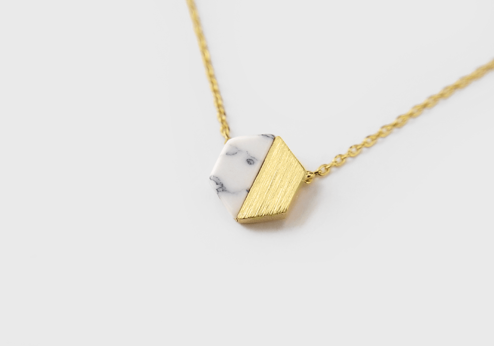 Hexagon Howlite Stone Necklace - Gold