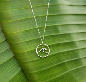 The Classic Nicoblue Wave Necklace