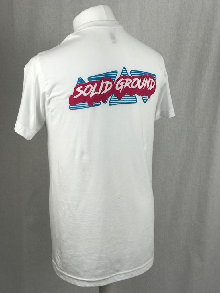 Fantastic gym T shirt from CrossFit Solid Ground, home of Patrick Vellner CrossFit Athlete. A crisp white Crossfit T shirt with neon pink and blue logo on the front and rear.