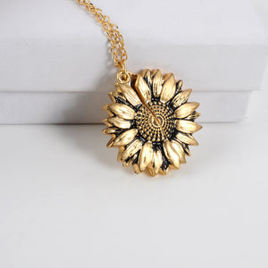 Peekaboo Pendant Necklace