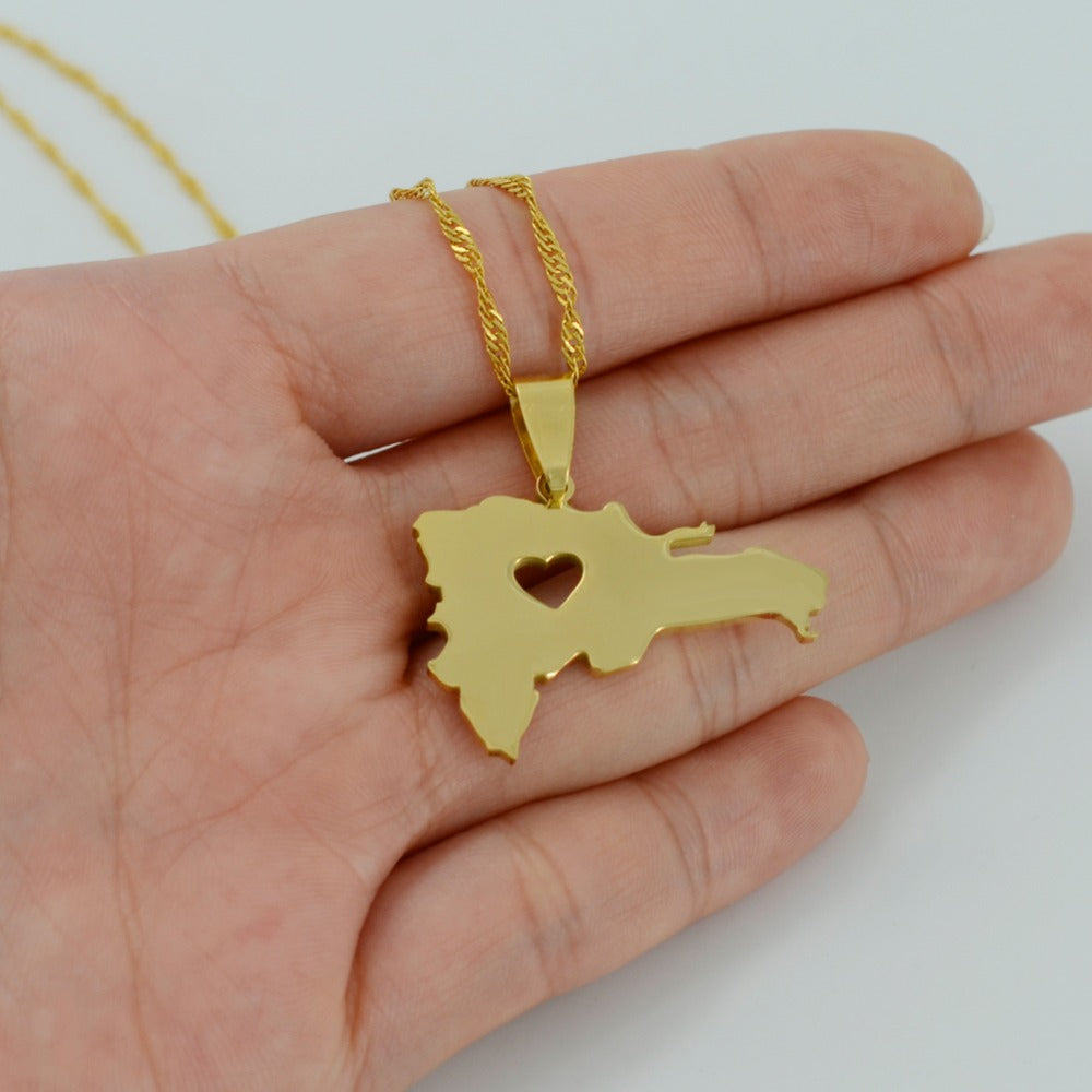 Caribbean Vibes - Dominican Republic Map + Heart Pendant Necklace Gold