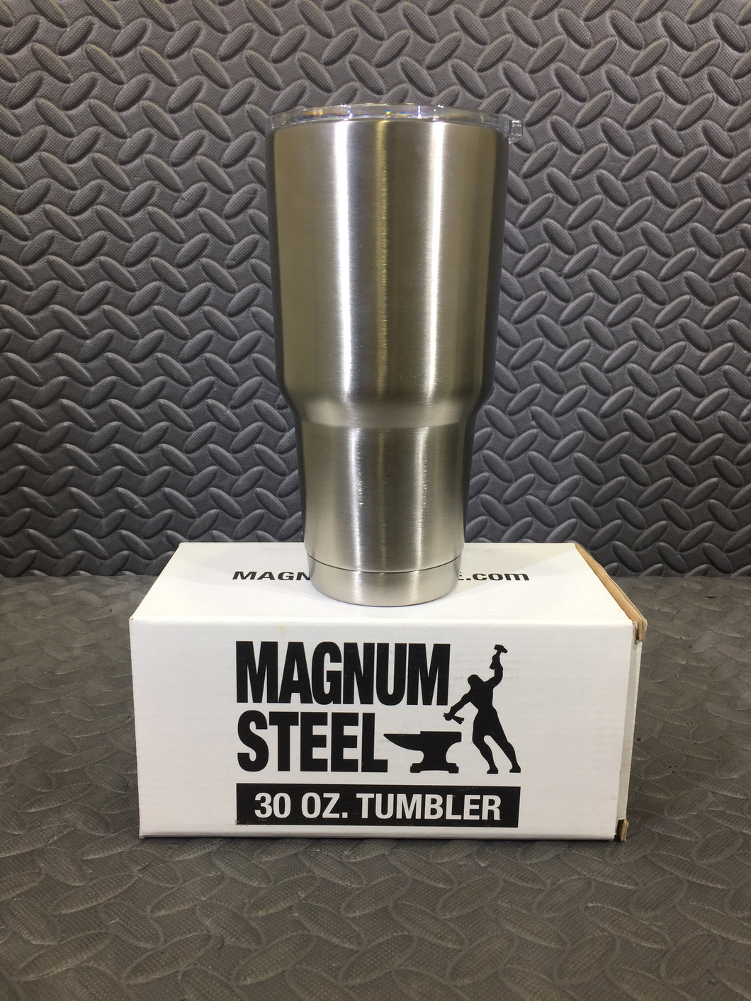 Magnum Steel 30oz Stainless Steel Double Walled Vacuum Sealed Tumbler - AsIsStuff