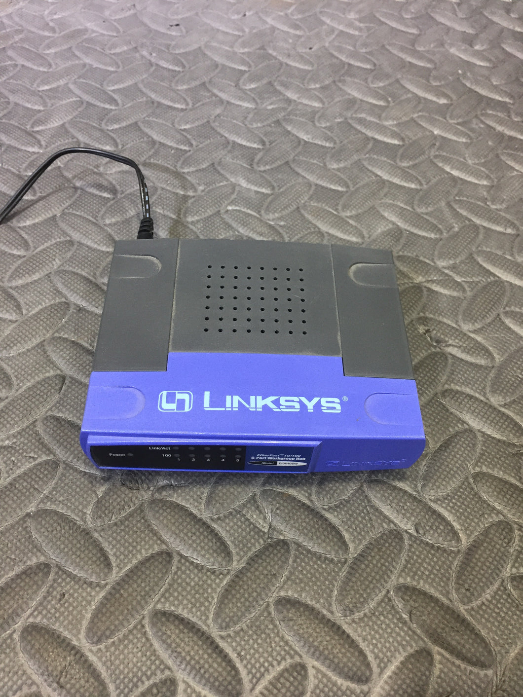 Linksys EFAH05W Fast Ethernet 5 Port Switch - AsIsStuff