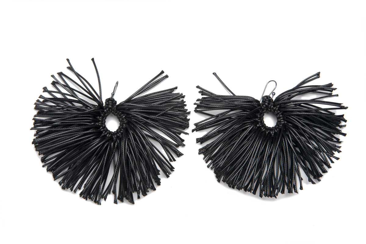 Caralarga Erizo Wax Cord &Fiber Fan Earrings IAH