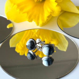 Black & White 6 mm Round Studs