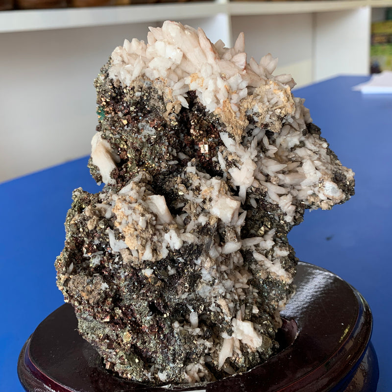 Calcite, hematite and pyrite pseudomorph crystal