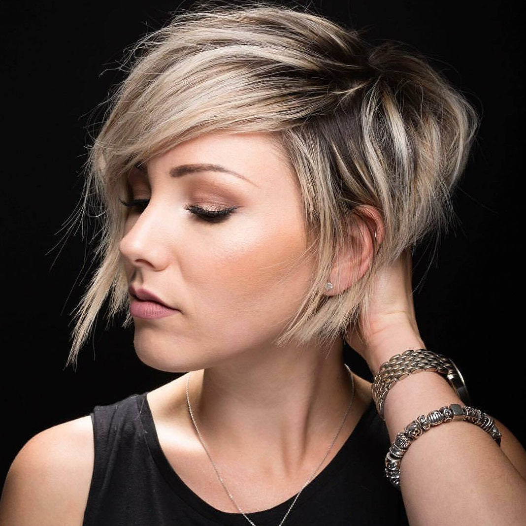 2019 NEW Hairstyle Popular Gorgeous Short Wig 010