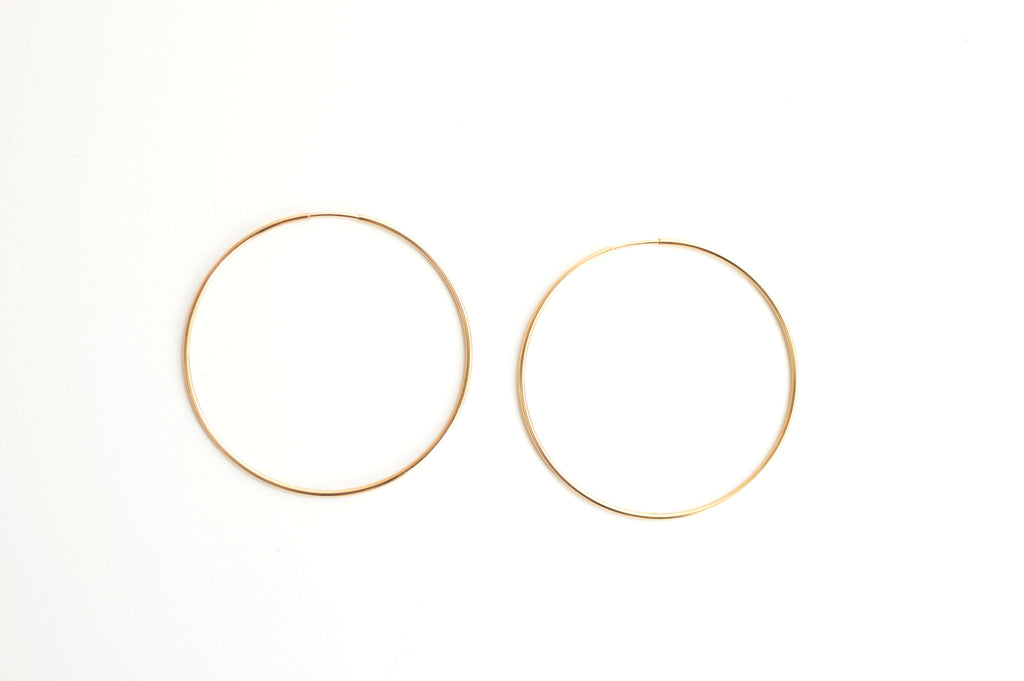 Large Classic Hoop Earrings (Gold)