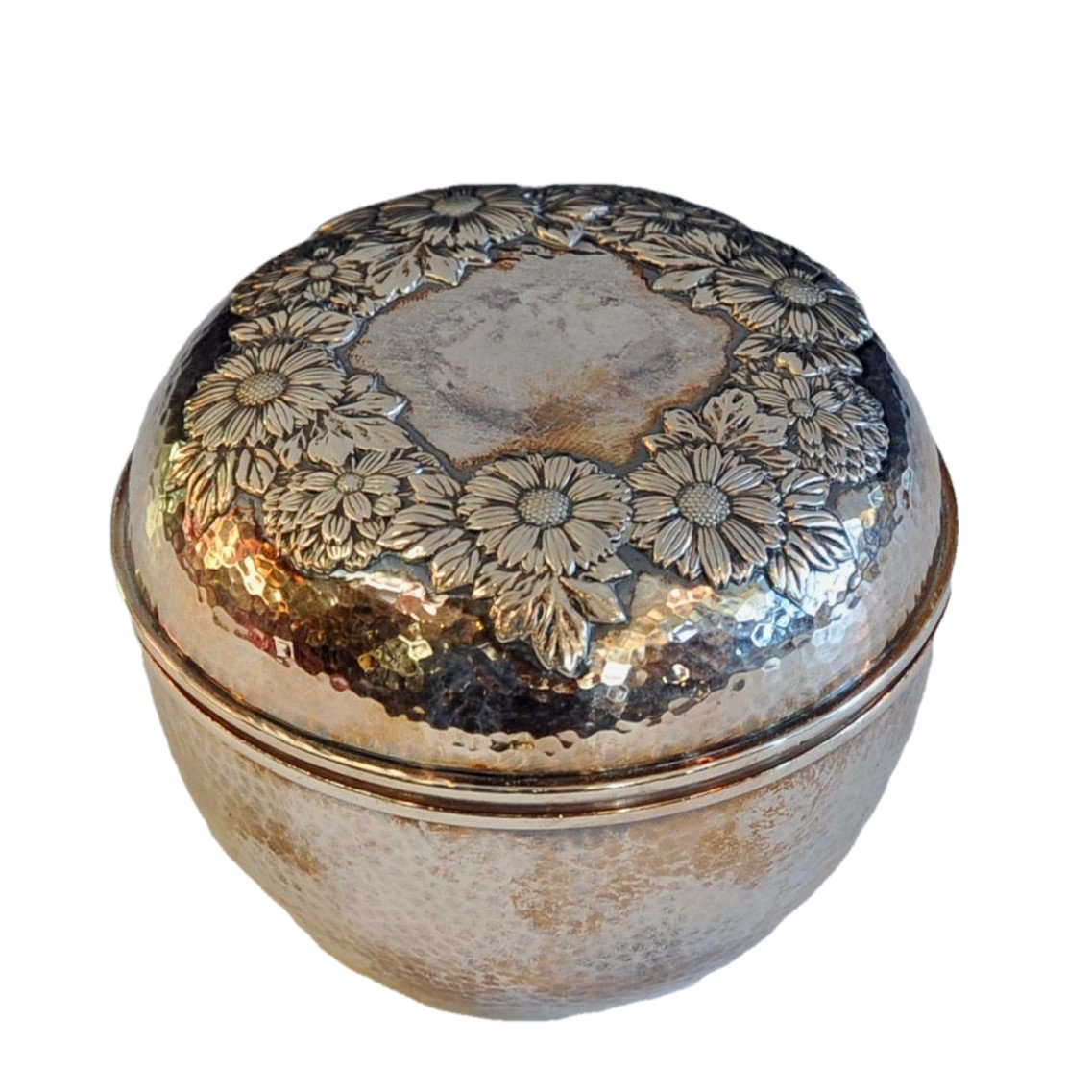 Bisansha Silver Kiku Lidded Box Japanese, Early 20th Century