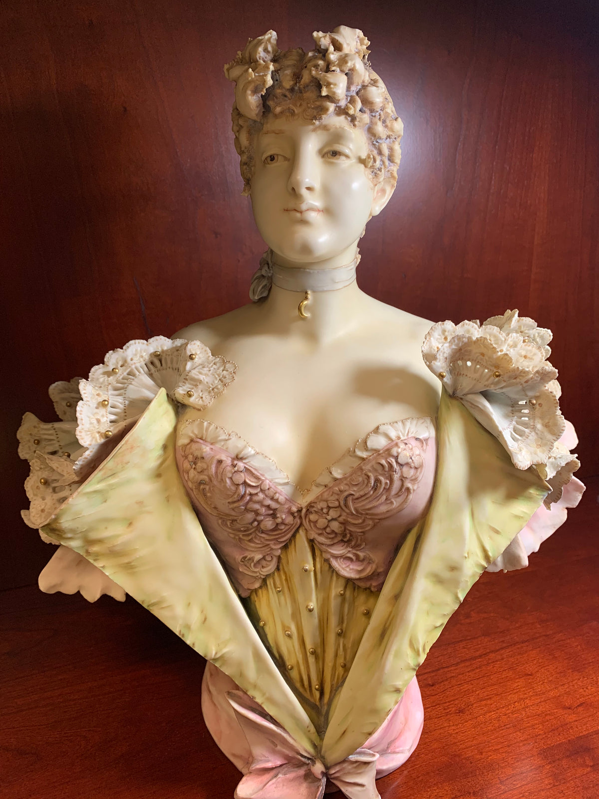 "Art Nouveau Porcelain ""Turn-Teplitz"" Stellmacher Female Bust Bohemia Porcelain"