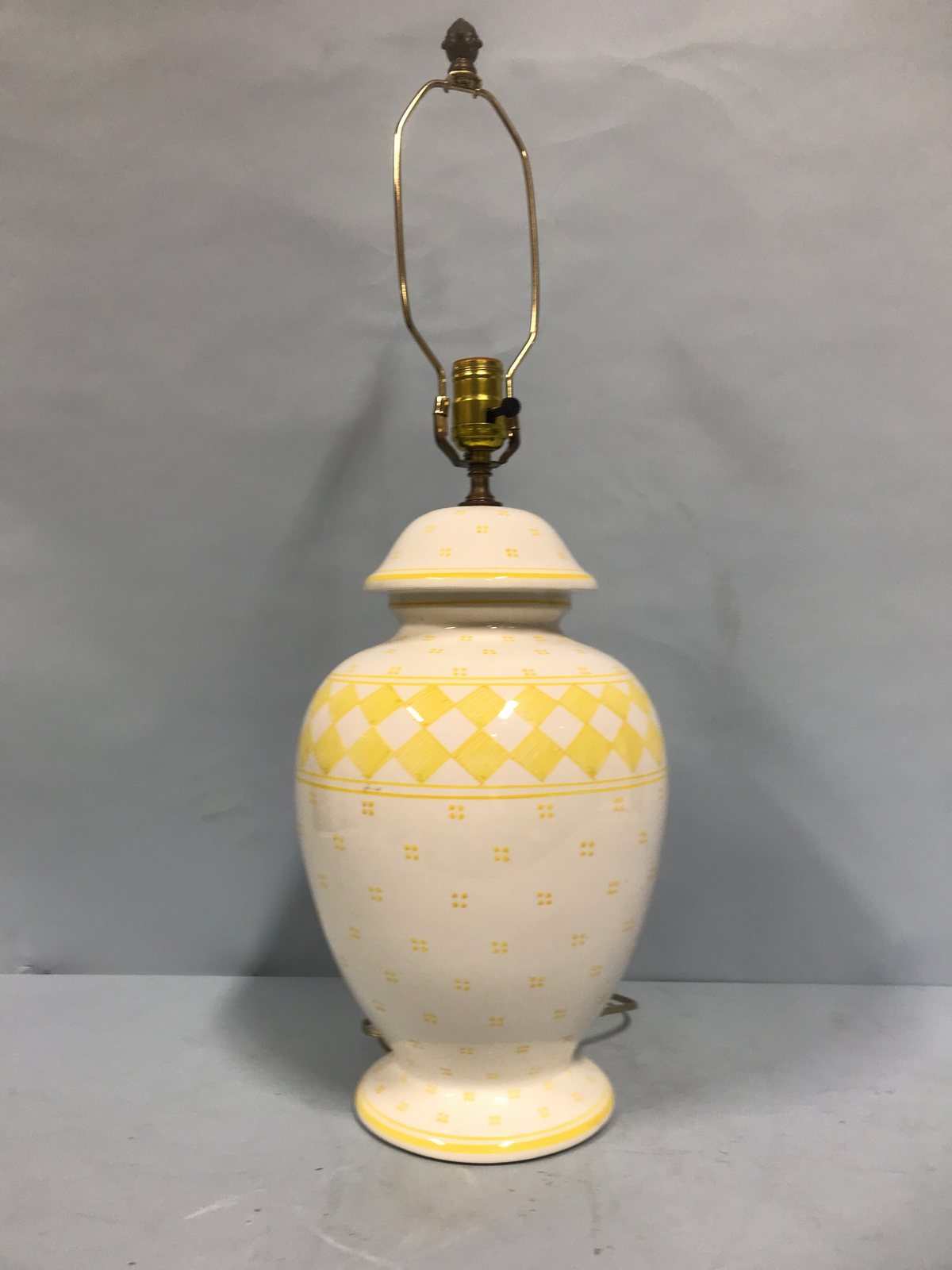 White & Yellow Ginger Jar Lamp