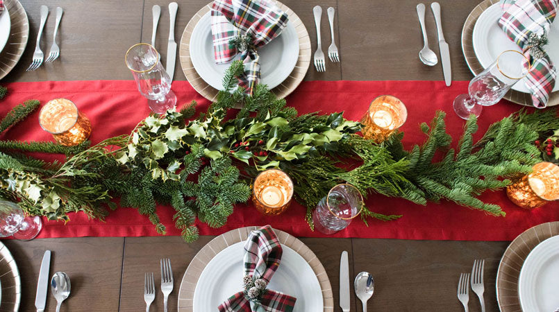 Christmas tablecapes centerpieces
