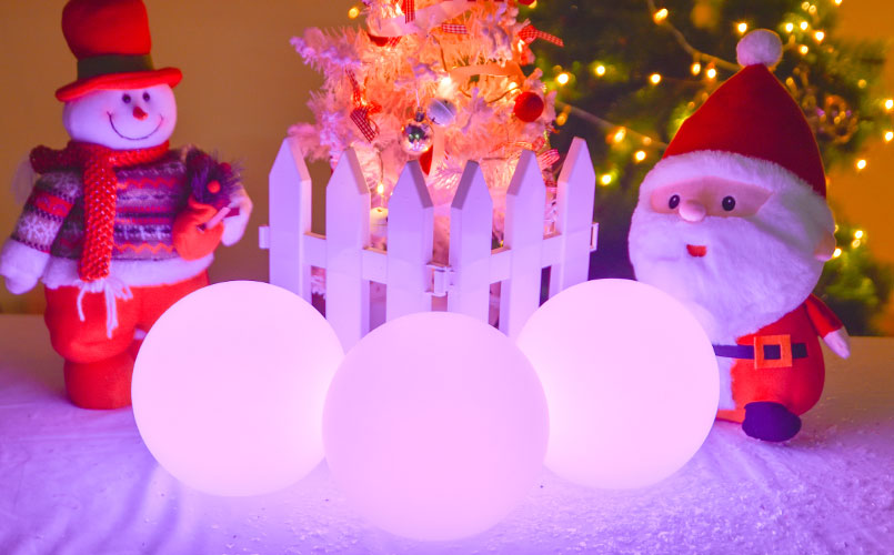 loftek glowing ball light for Christmas table setting